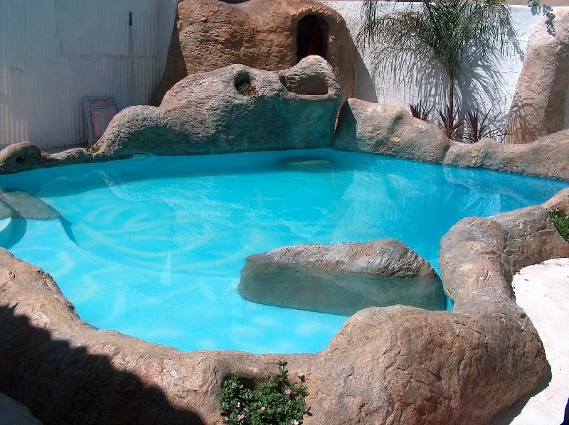 Il giardino roccioso for Cascate e laghetti da giardino