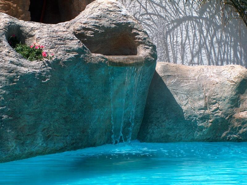 Il giardino roccioso - Cascate per piscine ...